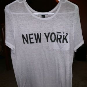 Forever 21 New York Pocketed T-Shirt (L)
